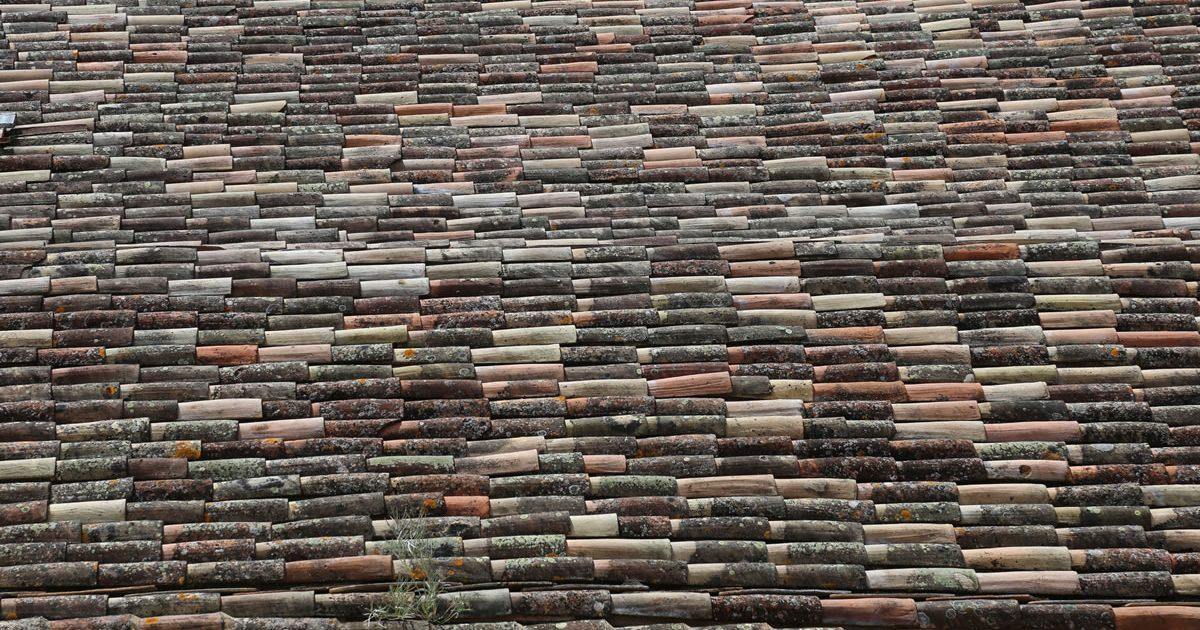 pl11 - stone roof, Beynac
